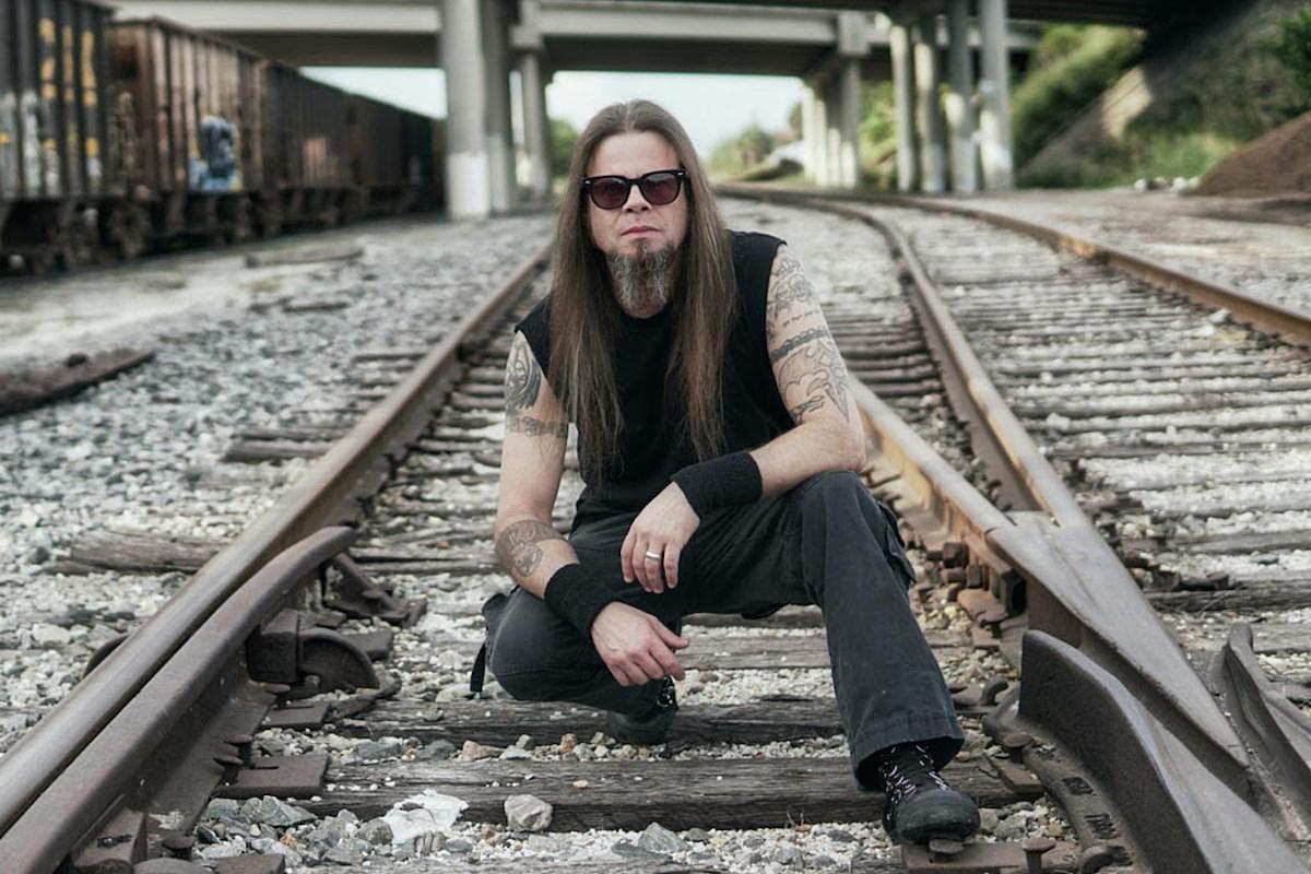 El cantante de Queensryche, Todd la Torre, lanza la primera canción en solitario ardiente