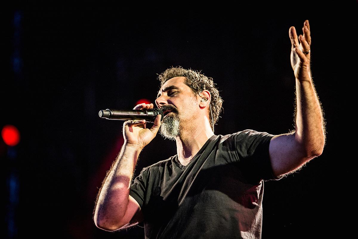 La nueva canción de Serj Tankian, «Elasticity», es deliciosamente extraña